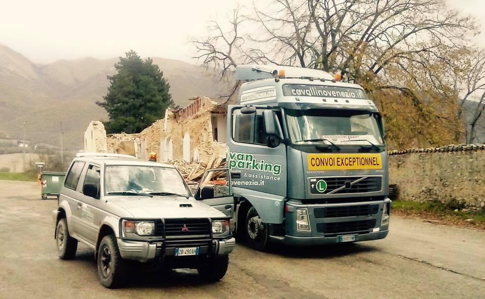 Caravan Parking a Norcia per emergenza terremoto